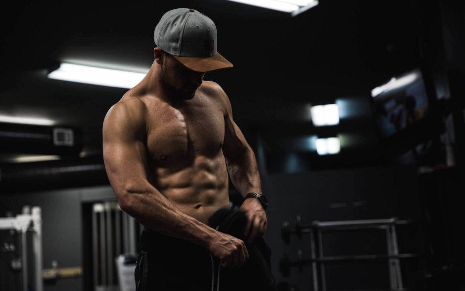 腕橈骨筋を鍛える筋トレ種目【前腕を太くしてカッコいい腕づくり】