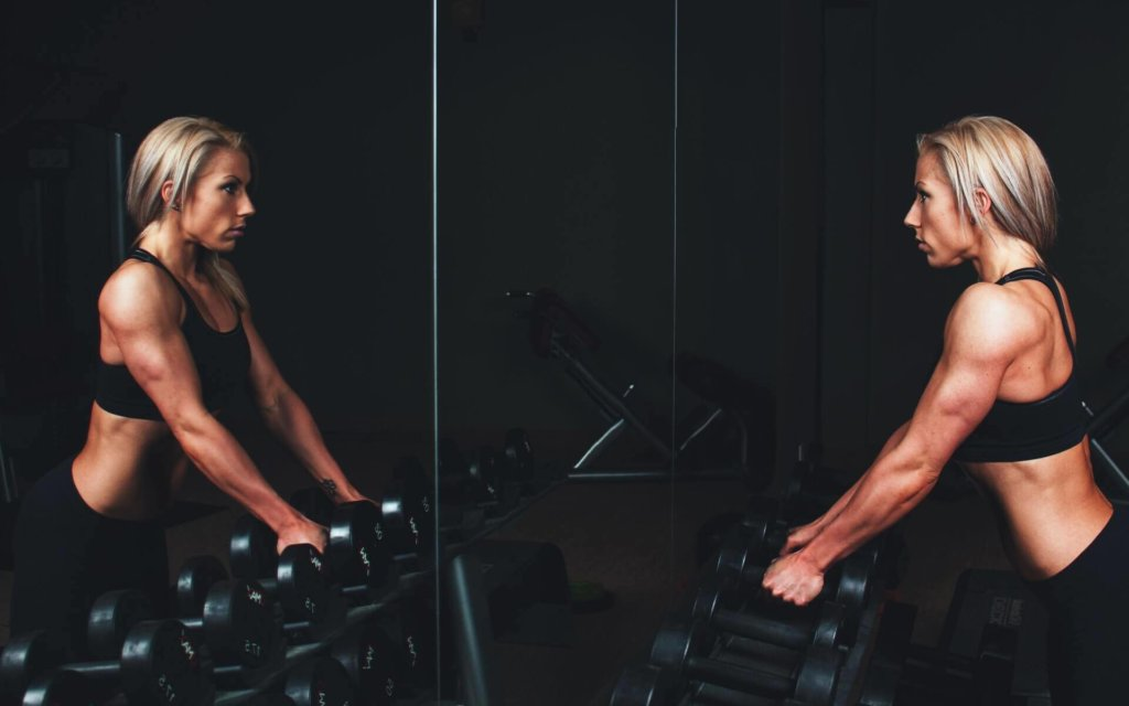 肩甲骨周りの筋肉を鍛える筋トレ種目