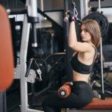ラットプルダウンの正しいやり方【広背筋と大円筋を効果的に鍛えよう】