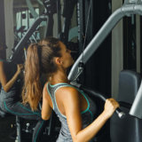 肩甲骨周りの筋肉を鍛える筋トレ種目【たくましく美しい背中づくり】