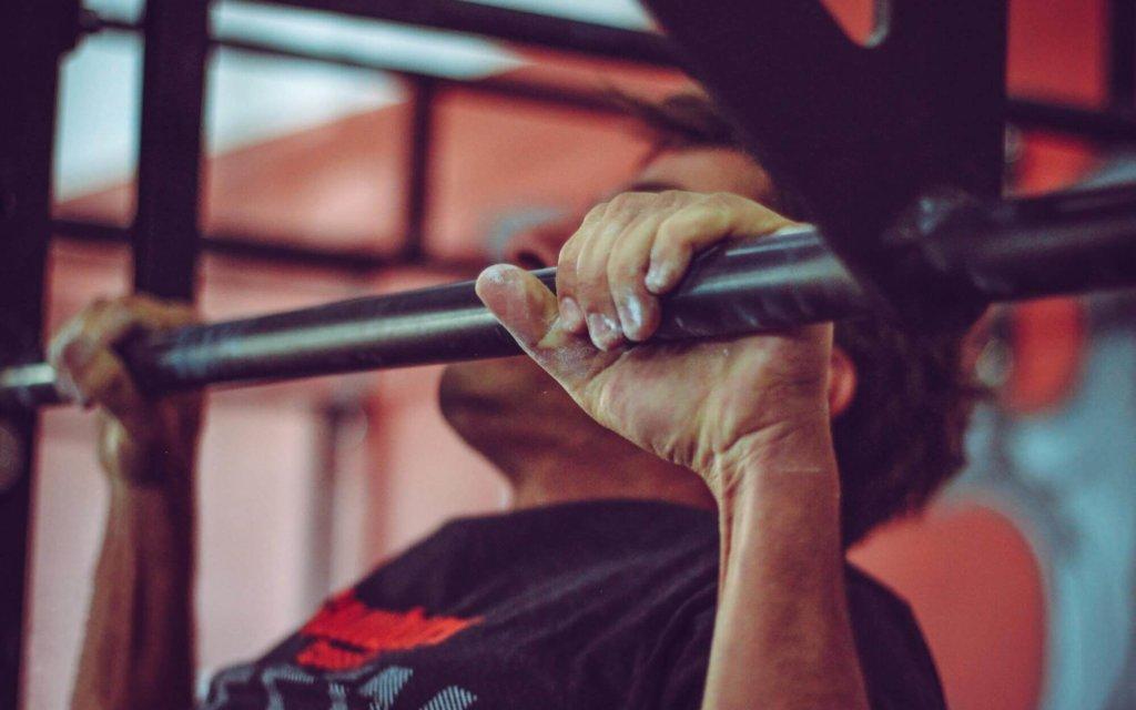 背筋を鍛えるための自重トレーニング種目