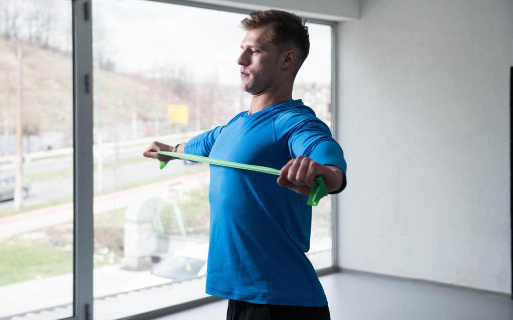 背筋を鍛えるためのチューブトレーニング種目