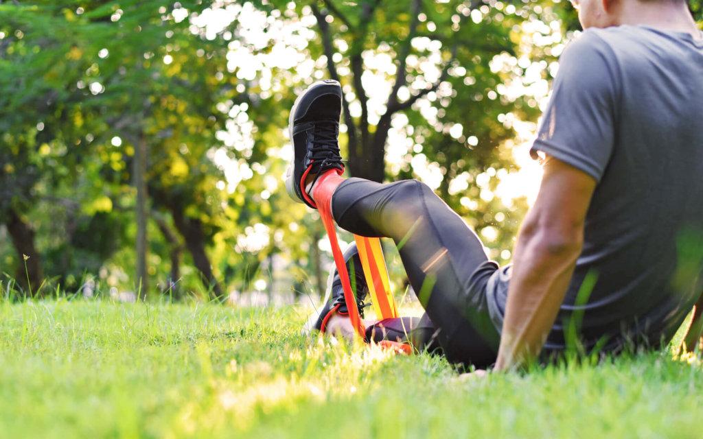 腸腰筋を鍛えるチューブトレーニング【股関節の動きを自宅で強化しよう】
