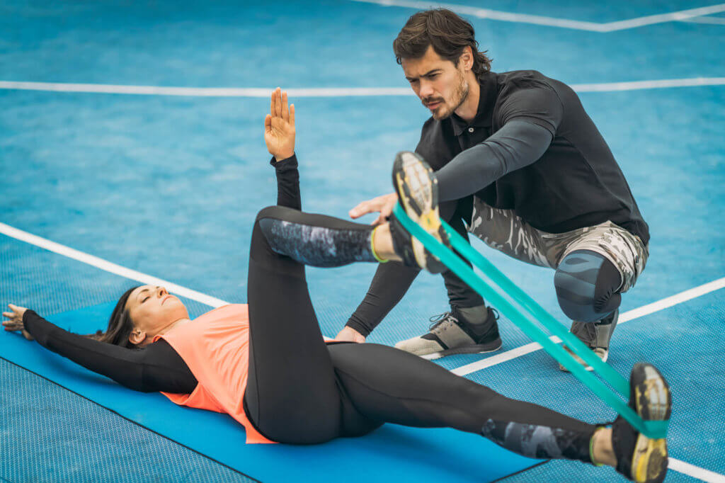 腸腰筋を鍛えるチューブトレーニング