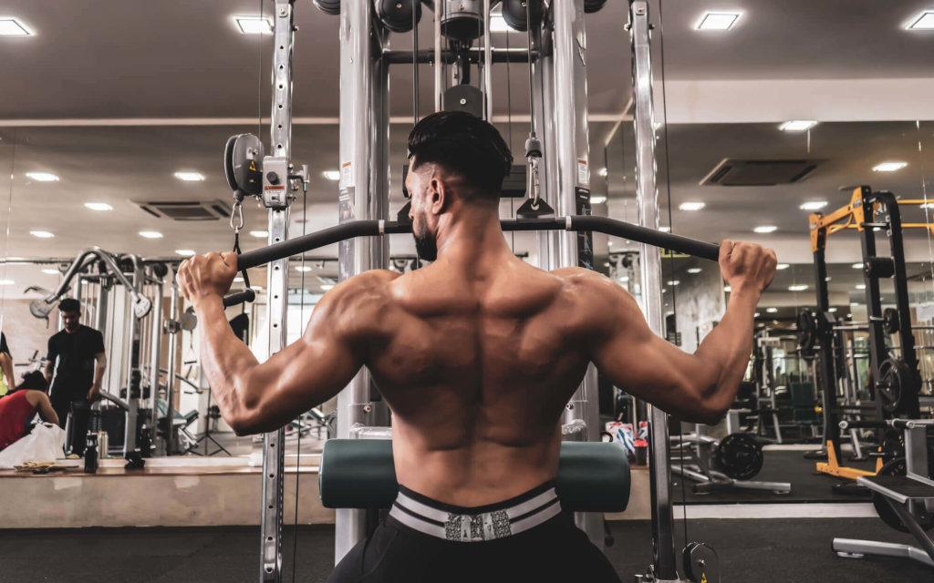 小胸筋を鍛えるためのトレーニング種目