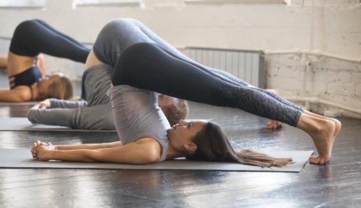 脊柱起立筋のストレッチ方法【姿勢や肩こり腰痛の改善に取り入れよう】