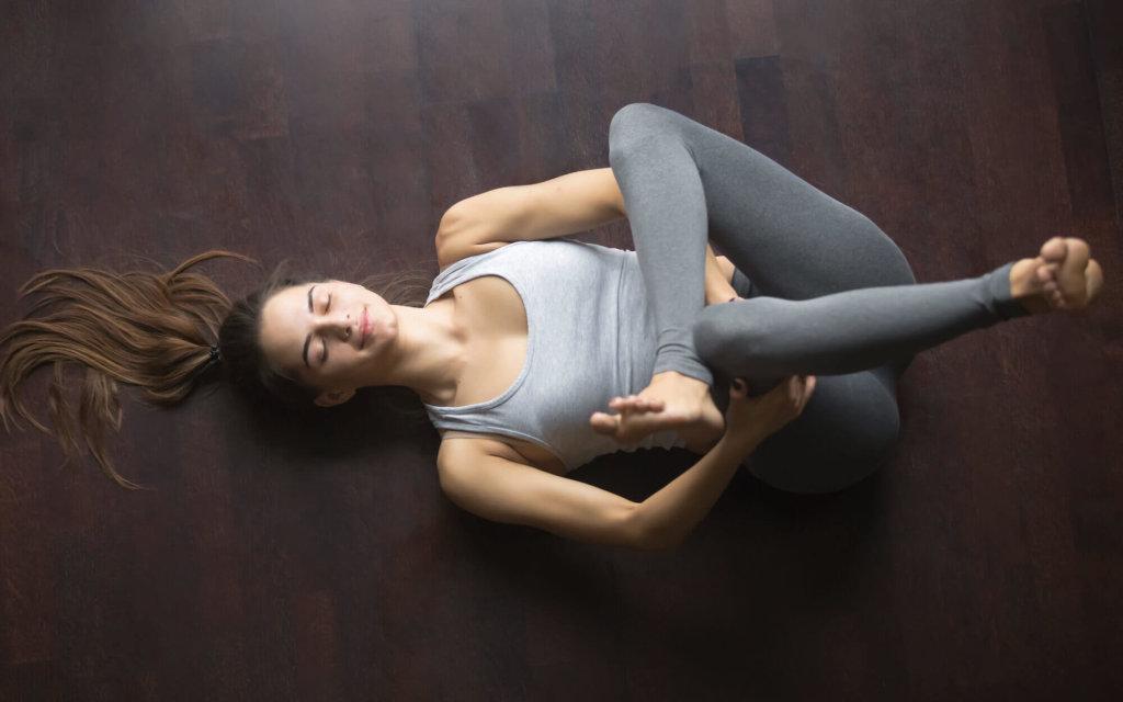 お尻の筋肉のストレッチ方法