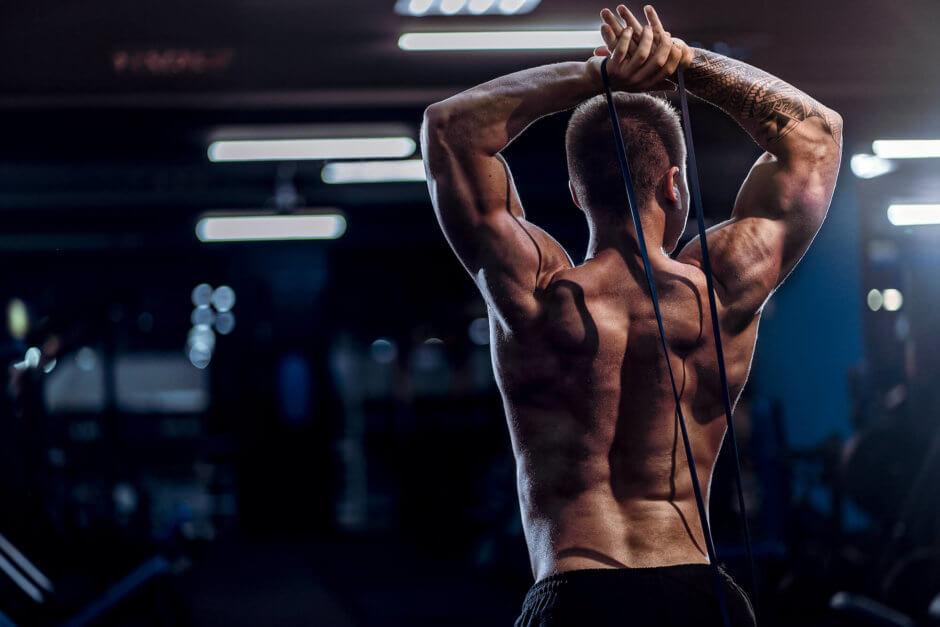 上腕三頭筋を鍛えるチューブトレーニング【たくましい腕づくりに】