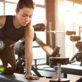 二の腕痩せに効果的なジムトレーニング種目【たるむ原因も解説します】