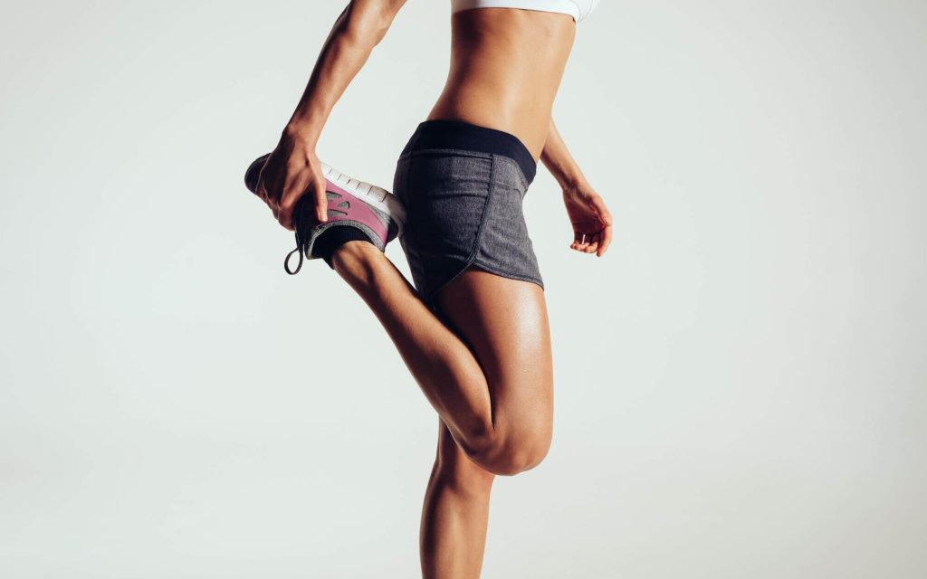 骨盤の前傾を改善するためのストレッチ【骨盤の傾きチェック方法も紹介】