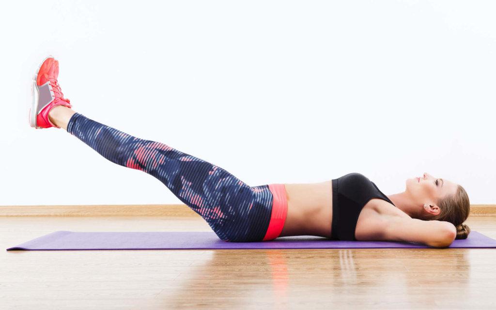 レッグレイズで腰が反るのを軽減する方法