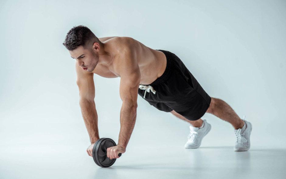 腹筋ローラーを使ったトレーニング3種【ポイントや選び方も解説】