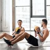 メディシンボールを使った腹筋トレーニング【負荷を上げて効率よく鍛える】