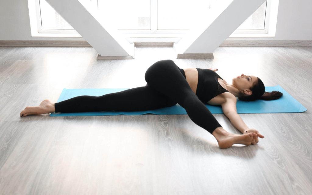 中臀筋のストレッチ方法