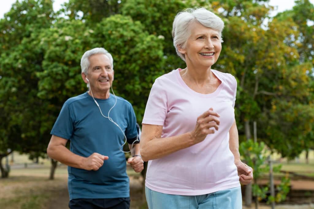 高齢者の方が脚を鍛えるメリット
