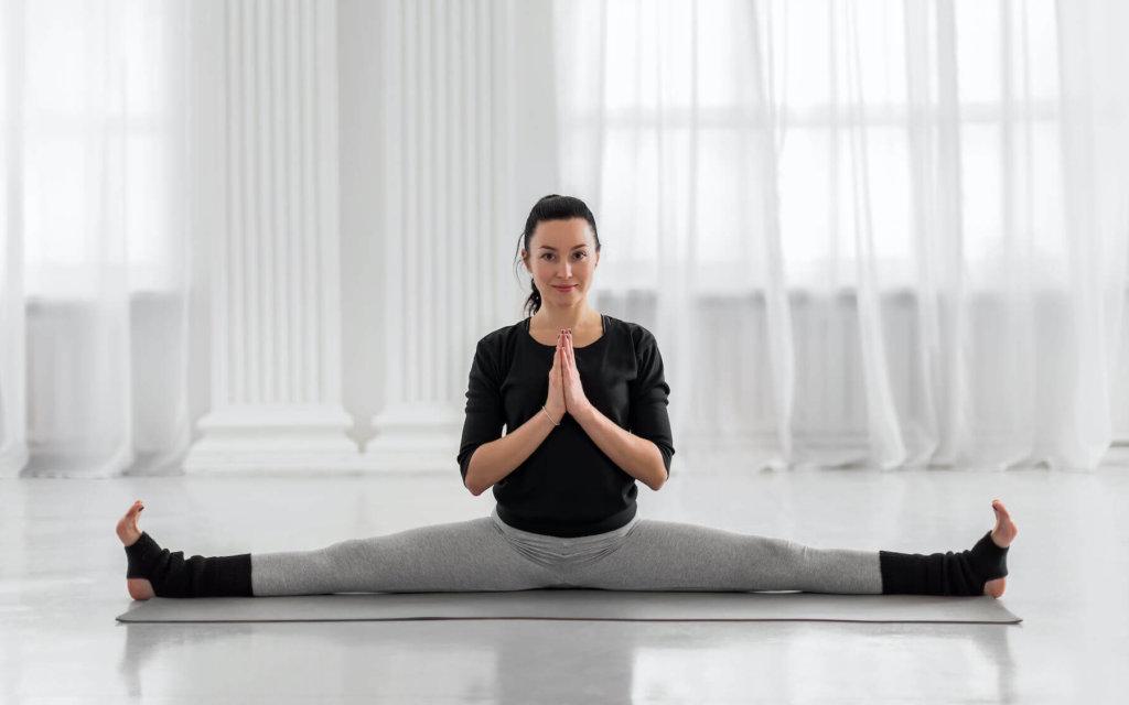 腰痛改善におすすめの開脚ストレッチ