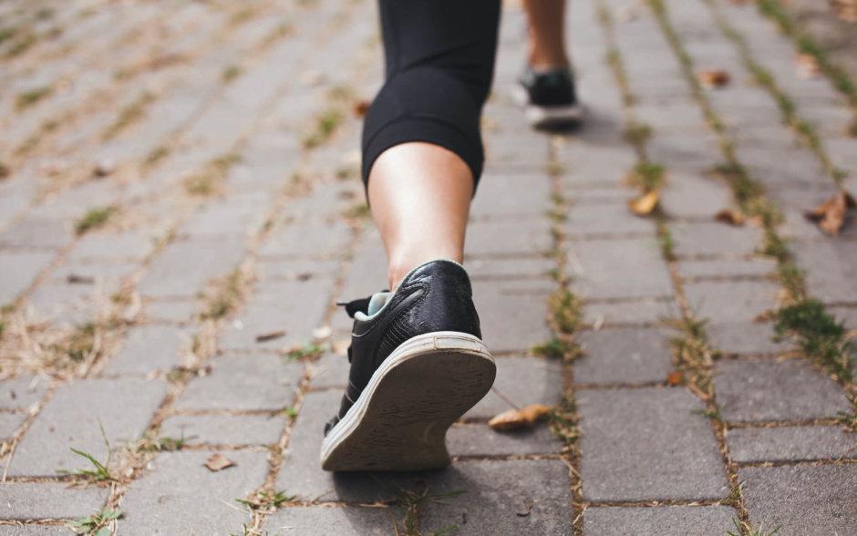 足首のストレッチ方法【ケガの予防やむくみの改善・脚の疲労軽減に】